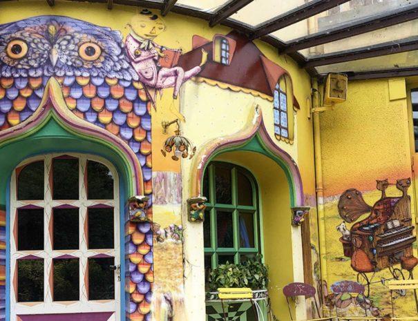 locadventure-moulin-jaune-facade