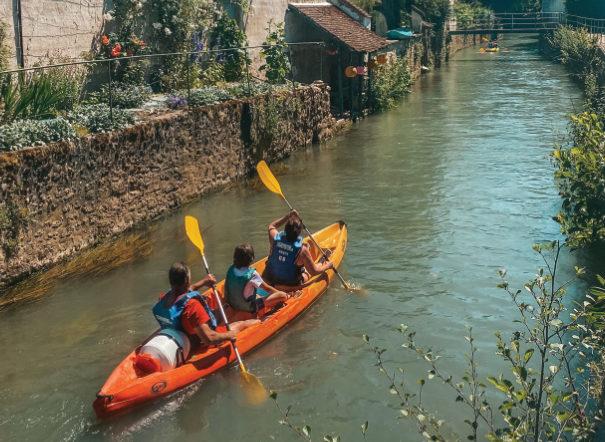 694x442-location-canoe-kayak-rouges-locadventure
